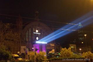 Frankfurt Hauptbahnhof - Lichtdach über der Stadt