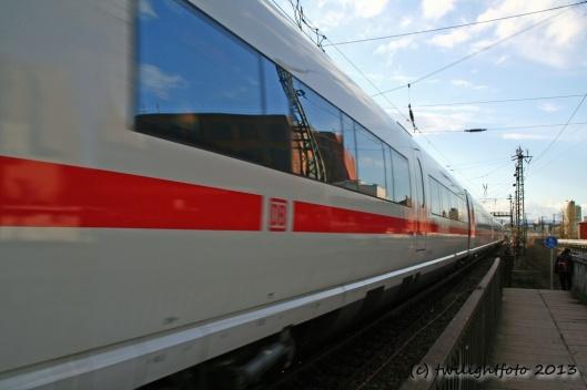 ICE in Richtung Frankfurt Hbf