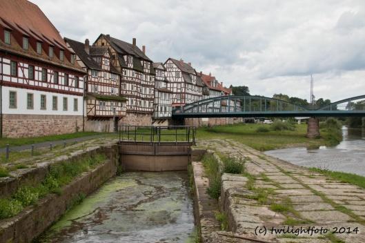 Alte Fuldabrücke, Fachwerkhäuser und eine ehemalige Schleuse