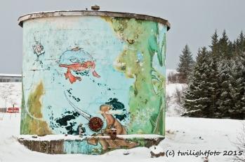 Alafoss - Thermalwasserbehälter am Wasserfall